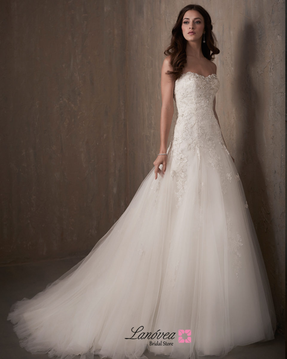 wedding gown Scarlett